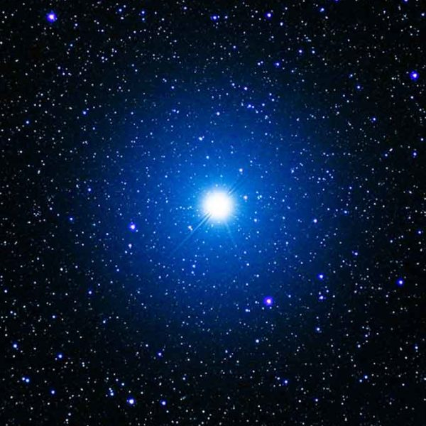 Celestial skies, inspiration for Zydrune 'Vega' blue ring.